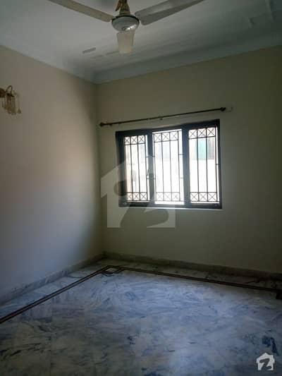 جی ۔ 11 اسلام آباد میں 3 کمروں کا 6 مرلہ مکان 60 ہزار میں کرایہ پر دستیاب ہے۔