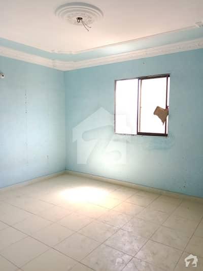 لیاقت آباد کراچی میں 2 کمروں کا 2 مرلہ فلیٹ 15.5 لاکھ میں برائے فروخت۔