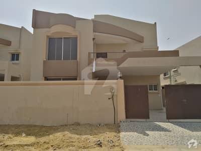 نیوی ہاؤسنگ سکیم کارساز کراچی میں 5 کمروں کا 14 مرلہ مکان 12.6 کروڑ میں برائے فروخت۔