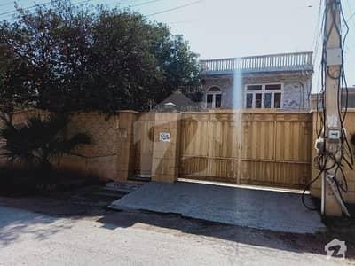 حیات آباد فیز 2 حیات آباد پشاور میں 7 کمروں کا 2 کنال مکان 6.95 کروڑ میں برائے فروخت۔