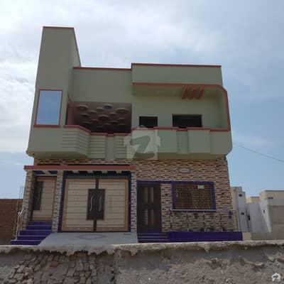 سندھ کوآپریٹو ہاؤسنگ سوسائٹی سکھر میں 4 کمروں کا 6 مرلہ مکان 1.8 کروڑ میں برائے فروخت۔
