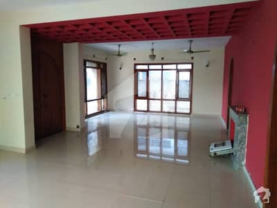 F-10 Independent House 3 Bedrooms New Bathrooms Rent Rs 140000