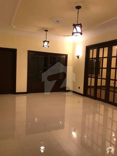 کلفٹن ۔ بلاک 3 کلفٹن کراچی میں 4 کمروں کا 11 مرلہ فلیٹ 85 ہزار میں کرایہ پر دستیاب ہے۔