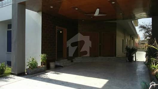 جی ۔ 11/3 جی ۔ 11 اسلام آباد میں 9 کمروں کا 1 کنال مکان 7.5 کروڑ میں برائے فروخت۔