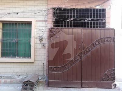 رشید نگر فیصل آباد میں 3 مرلہ مکان 65 لاکھ میں برائے فروخت۔
