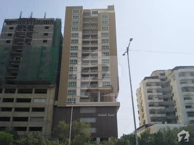 پی ای سی ایچ ایس جمشید ٹاؤن کراچی میں 3 کمروں کا 9 مرلہ فلیٹ 3.05 کروڑ میں برائے فروخت۔
