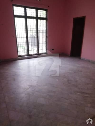 Single Storey House Available For Rent In Karim Block
