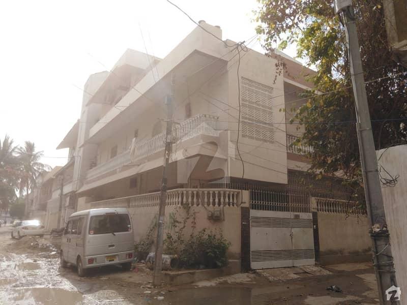 بفر زون - سیکٹر 15-A / 5 بفر زون نارتھ کراچی کراچی میں 4 کمروں کا 5 مرلہ مکان 1.9 کروڑ میں برائے فروخت۔