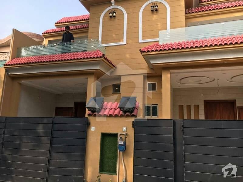 علی پارک کینٹ لاہور میں 3 کمروں کا 5 مرلہ مکان 1.3 کروڑ میں برائے فروخت۔