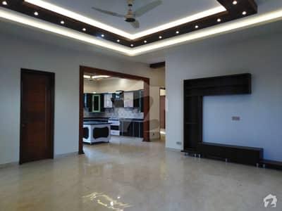 نارتھ ناظم آباد ۔ بلاک ایف نارتھ ناظم آباد کراچی میں 6 کمروں کا 1 کنال مکان 10 کروڑ میں برائے فروخت۔