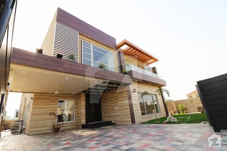 Brand New Royal Style 1 Kanal 5 Beds Palace For Royal Life Lovers