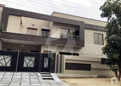 ابدالینزکوآپریٹو ہاؤسنگ سوسائٹی لاہور میں 7 کمروں کا 1 کنال مکان 1.1 لاکھ میں کرایہ پر دستیاب ہے۔