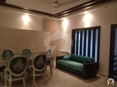 ڈی ایچ اے فیز 5 - بلاک اے فیز 5 ڈیفنس (ڈی ایچ اے) لاہور میں 5 کمروں کا 1 کنال مکان 1.4 لاکھ میں کرایہ پر دستیاب ہے۔