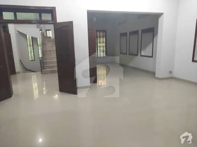 I8 Upper Portion  With Servant Quarter Is Available For Rent