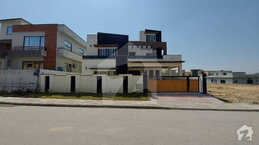 7 Bed 1 Kanal New House In Dha