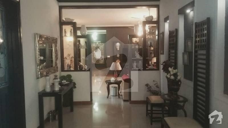 ڈی ایچ اے فیز 8 ڈیفنس (ڈی ایچ اے) لاہور میں 3 کمروں کا 1 کنال زیریں پورشن 1.4 لاکھ میں کرایہ پر دستیاب ہے۔