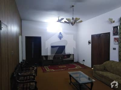 1 Kanal Upper Portion  For Rent For Commercial  Use On Top Location