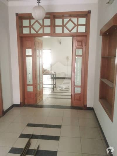 Kanal 3 Beds DD Ground Portion For Rent In Gulraiz Housing Society
