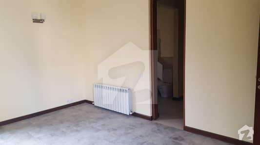 ایف ۔ 11/3 ایف ۔ 11 اسلام آباد میں 4 کمروں کا 1 کنال مکان 1.6 لاکھ میں کرایہ پر دستیاب ہے۔