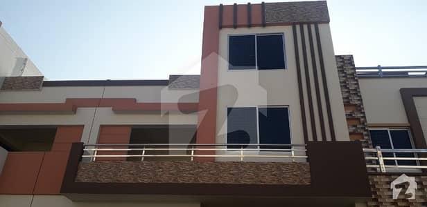 رزاق ولاز ہاؤسنگ سکیم ساہیوال میں 5 کمروں کا 5 مرلہ مکان 95 لاکھ میں برائے فروخت۔