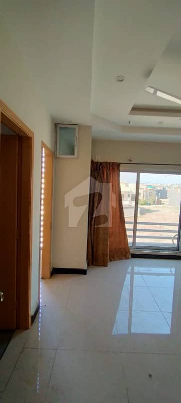 One Bed Apartment With Open Kitchen Sitting Area One Bath Proper Separate Bed