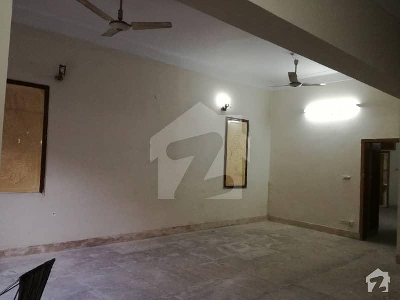 گلبرگ 3 گلبرگ لاہور میں 2 کمروں کا 10 مرلہ زیریں پورشن 43 ہزار میں کرایہ پر دستیاب ہے۔