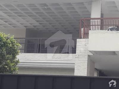 نثار کالونی کینٹ لاہور میں 3 کمروں کا 2 کنال بالائی پورشن 99 ہزار میں کرایہ پر دستیاب ہے۔