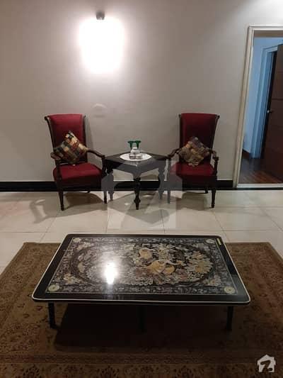 کینٹ لاہور میں 3 کمروں کا 1 کنال بالائی پورشن 1.2 لاکھ میں کرایہ پر دستیاب ہے۔