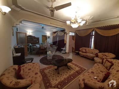 Old And Strong Construction Owner Built One Unit Extra Ordinary Architect Designed 400 Square Yard House For Sale In Block 7 Near Main Raod Gulistan_e_jouhar