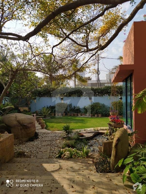 کلفٹن ۔ بلاک 5 کلفٹن کراچی میں 5 کمروں کا 2 کنال مکان 25 کروڑ میں برائے فروخت۔