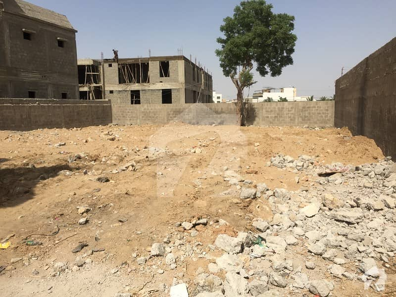 300 Sq Yards Bifurcate Plot For Sale  In Block 1 Gulistan E Jauhar