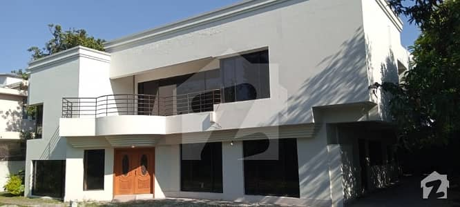 House Available For Sale In F-7-1 Islamabad (80x120)