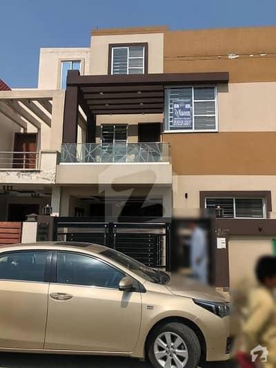بحریہ نشیمن ۔ سن فلاور بحریہ نشیمن لاہور میں 3 کمروں کا 5 مرلہ مکان 92 لاکھ میں برائے فروخت۔