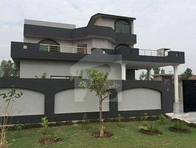Beautiful 1 Kanal House For Rent