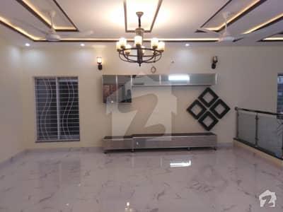 جوہر ٹاؤن فیز 2 - بلاک ایچ جوہر ٹاؤن فیز 2 جوہر ٹاؤن لاہور میں 6 کمروں کا 1 کنال مکان 6.5 کروڑ میں برائے فروخت۔