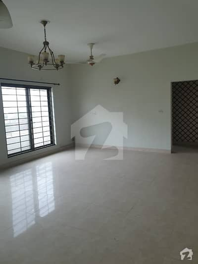 10 Marla 3 Bed Luxury Apartment Available For Rent At Askari Xi Near Dha Phase 5 And Dha Phase 6 Lahore