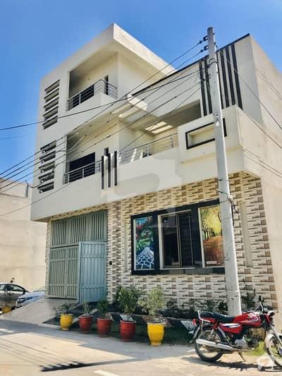 ایڈن گارڈن - نواب بلاک ایڈن گارڈنز فیصل آباد میں 4 کمروں کا 5 مرلہ مکان 1.4 کروڑ میں برائے فروخت۔