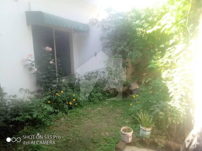 خیبر کالونی ہربنس پورہ ہربنس پورہ لاہور میں 2 کمروں کا 9 مرلہ مکان 1.3 کروڑ میں برائے فروخت۔