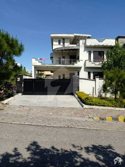 One Kanal 45x100 Beautiful House For Sale