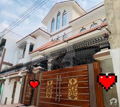 مسلم گنج شیخوپورہ میں 6 کمروں کا 10 مرلہ مکان 2.25 کروڑ میں برائے فروخت۔