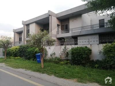 گلبرگ 3 گلبرگ لاہور میں 4 کمروں کا 5 مرلہ مکان 1.65 کروڑ میں برائے فروخت۔