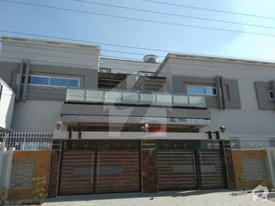 14 Marla Double Storey New Luxury House For Rent