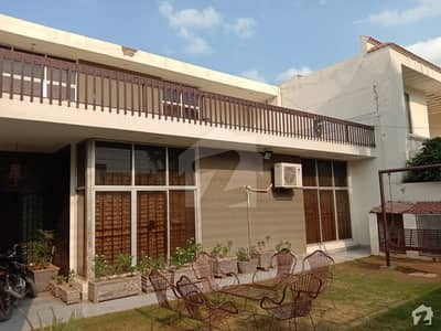 1 Kanal Double Story House For Sale  50 Feet Road 50 Feet Front Tile Flooring Beautiful Lawn Solid Construction