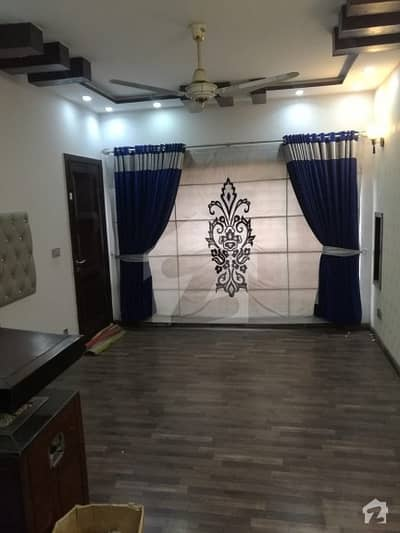 8 Marla Luxury Ideal Location House Available For Rent With Gas At 60 Ft Road
