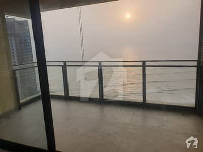 عمار کورل ٹاورز امارکریسنٹ بے ڈی ایچ اے فیز 8 ڈی ایچ اے کراچی میں 4 کمروں کا 15 مرلہ فلیٹ 2.1 لاکھ میں کرایہ پر دستیاب ہے۔