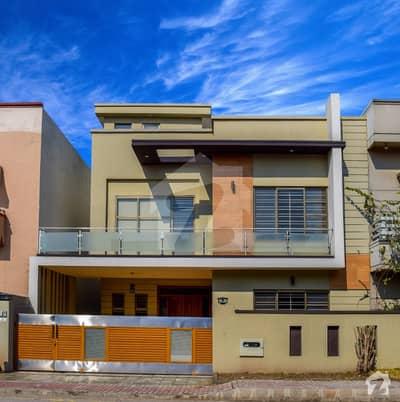 بحریہ ٹاؤن فیز 3 - بلاک بی بحریہ ٹاؤن فیز 3 بحریہ ٹاؤن راولپنڈی راولپنڈی میں 5 کمروں کا 10 مرلہ مکان 2.15 کروڑ میں برائے فروخت۔