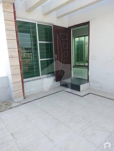 ڈی ایچ اے 11 رہبر فیز 1 ڈی ایچ اے 11 رہبر لاہور میں 2 کمروں کا 10 مرلہ بالائی پورشن 30 ہزار میں کرایہ پر دستیاب ہے۔