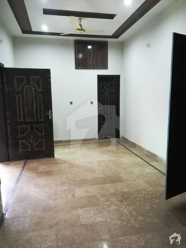 ملتان پبلک سکول روڈ ملتان میں 4 کمروں کا 4 مرلہ مکان 55 لاکھ میں برائے فروخت۔