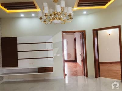 10 Marla House For Rent In Chambeli Block Bahria Town Lahore