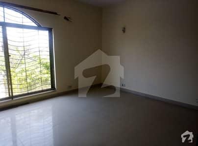 Sep Gate Corner 14 Marla 2 Beds Upper Portion 1 Servant Quarter Available For Rent